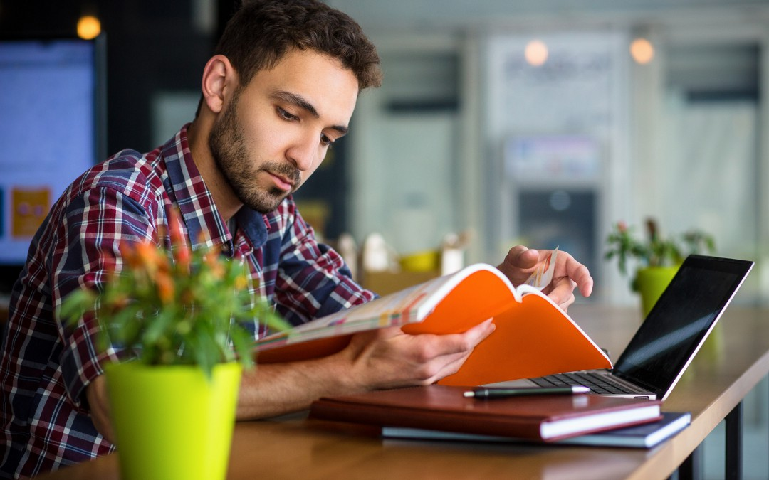 7 Tips to Sell Live Online Classes